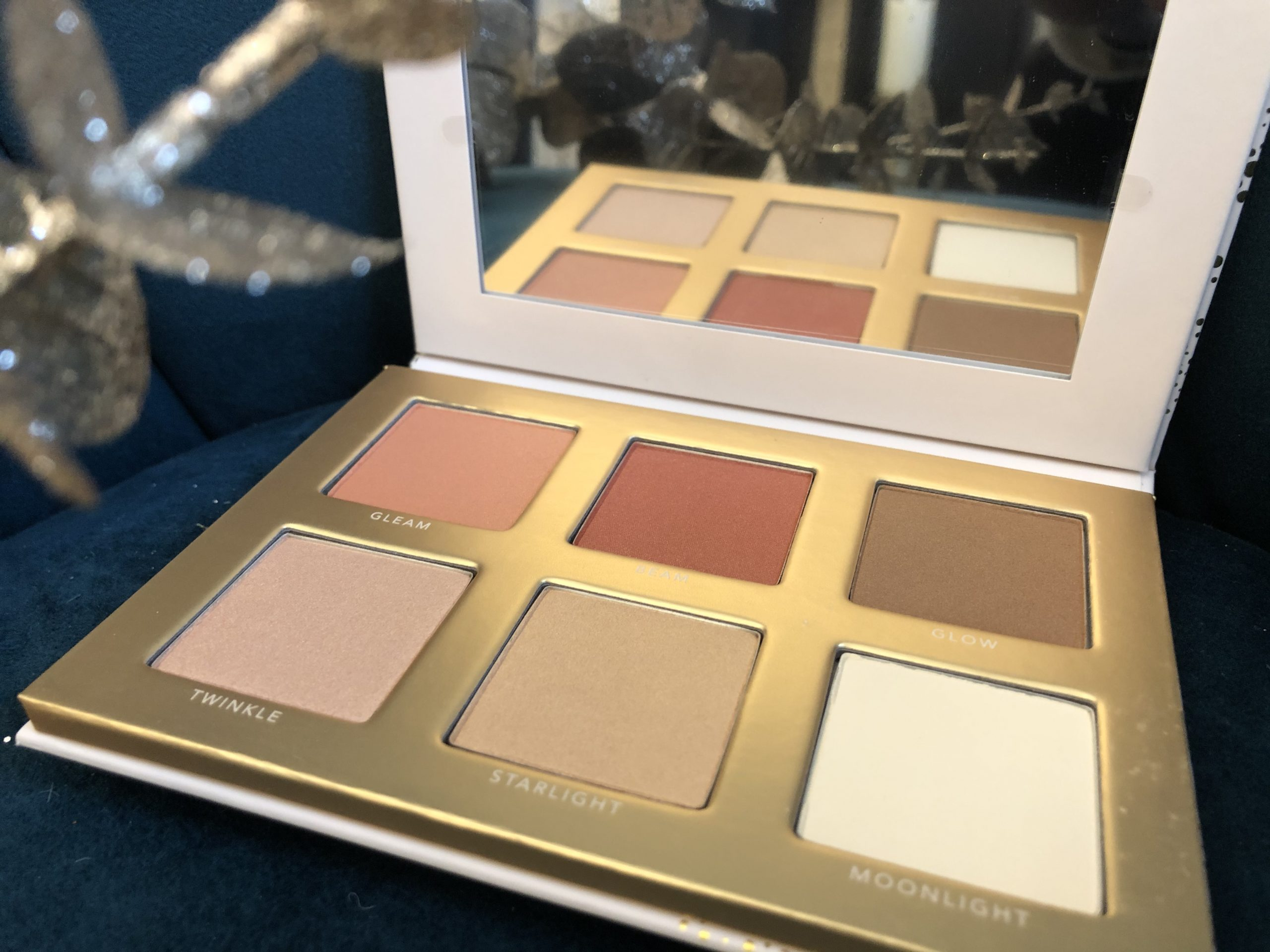 Jane Iredale Illuminating Lights Face Pallette